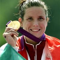 Risztov Éva aranyérmet nyert a nyíltvízi úszók 10 km-es számában !