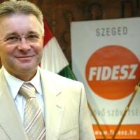 A demonstráló diákokkal egyeztetett a kormánymegbízott Szegeden