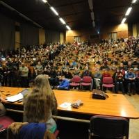 Hallgatói tiltakozás – Szegeden összeláncolva, Budapesten hídfoglalással tüntettek