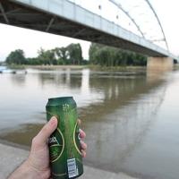 Ismét büntethetik a köztéri szeszfogyasztást Szegeden