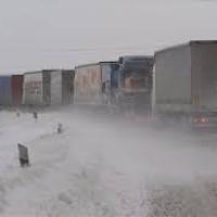 Havazás – Sem a személy-, sem a teherautók nem léphetnek be Szerbiába