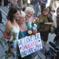 Szombattól házasságot köthetnek azonos nemű párok is Nagy-Britanniában.