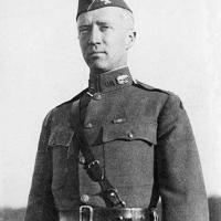 Patton tábornok szülinapján…